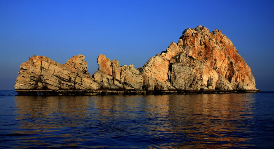 Rock in Musandam Dibba