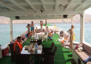 Luxurious Musandam Dibba Boat Cruise Trip