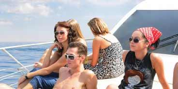 37 Feet Luxury Yacht Cruise in Dubai