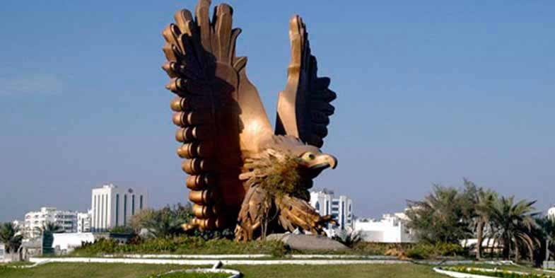 Golden Falcon statue in Fujairah - Day Out Dubai