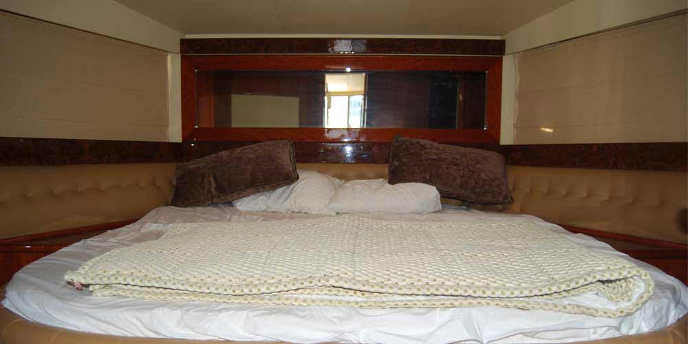 Bedroom picture of 37 Feet speed boat