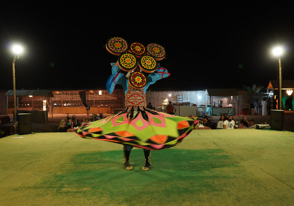 Enjoy traditional Egyptian folk dance in the desert
