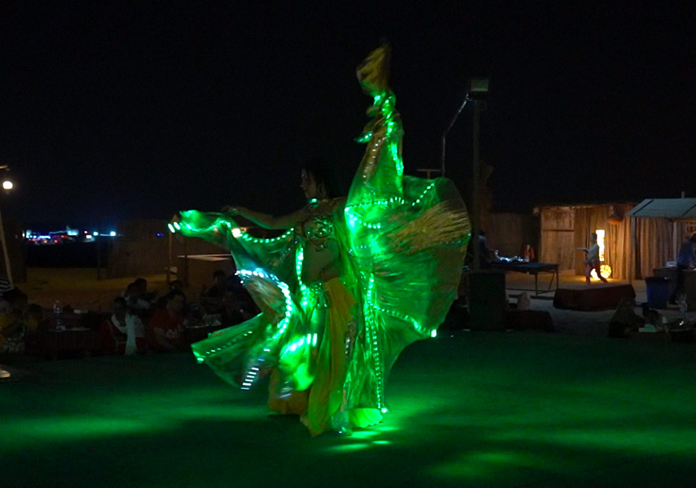 An outstanding belly dance under the star-lit sky makes you mesmerized
